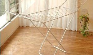 洗濯物を外に干せない梅雨時期に便利な室内洗濯物干しスタンド